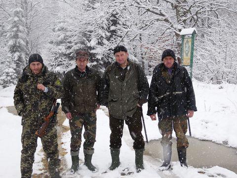 НПП «Сколівські Бескиди»: рейди проти браконьєрів та підгодівля тварин