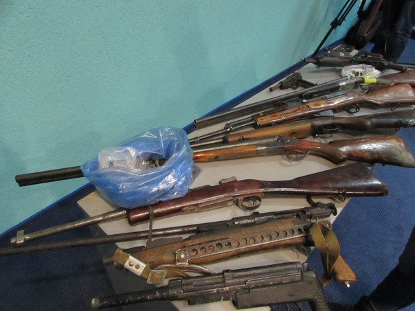 Полтавці добровільно здають мисливську зброю та раритетні види озброєння