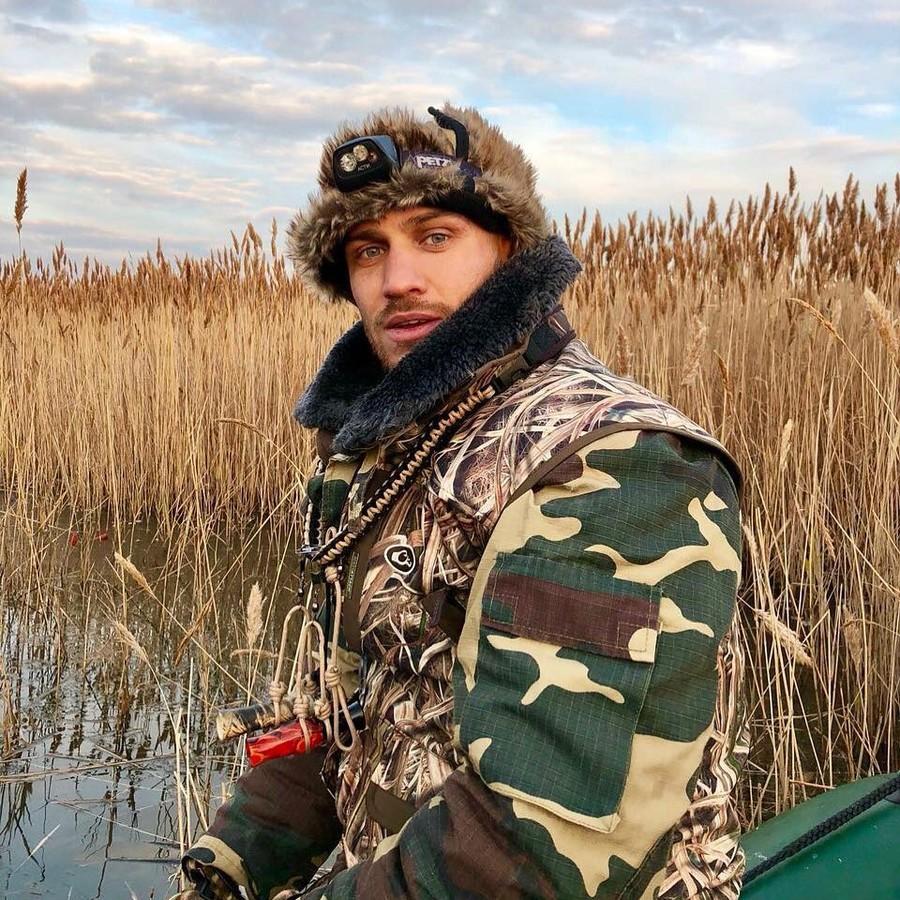 Василь Ломаченко після перемоги над Гільєрмо Рігондо повернувся в Україну і відпочиває на полюванні