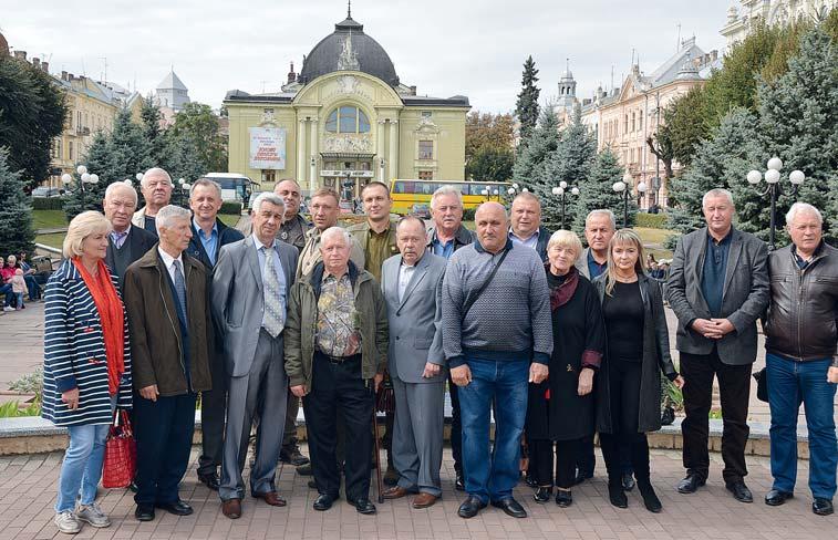 Учасники виїзного засідання Президії Всеукраїнської ради УТМР